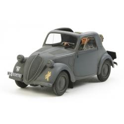 1/35 Немецкий автомобиль SIMCA 5 с фигурой водителя WWII