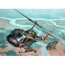 Вертолет Bell UH-1C/B Huey Hog (04476)