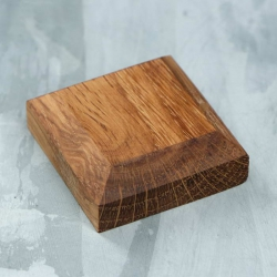 Подставка-подиум деревянная, 40х40х15 мм, массив дуба ( 1111540)