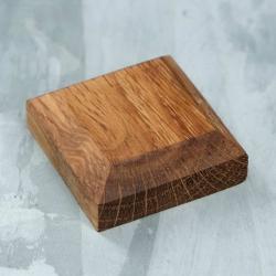 Wooden stand 40х40х15 mm, oak ( 1111540)