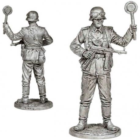 Field sergeant of the Wehrmacht field gendarmerie, 1939-45 (WW2-40)