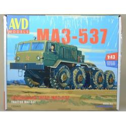 1/43 Сборная модель Седельный тягач МАЗ-537 (1353AVD)