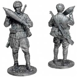 Красноармеец-мин. с миной к 120-мм плк. миномёту. СССР, 1941-43гг. (WW2-67)