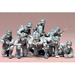1/35 Немецкий танковый десант в действии (8 фигур солдат с разным оружием) WWII