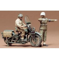 1/35 Американская военная полиция (мотоциклист и регулировщик)