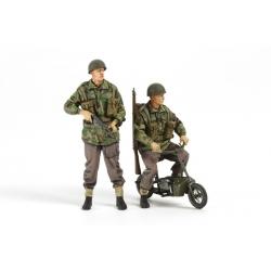 1/35 Британские парашютисты (4 фигуры) с двумя складными мотоциклами WWII