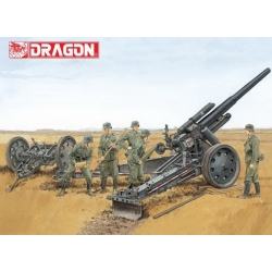 WW2 German sFH18 Howitzer w/Limber (D6392)