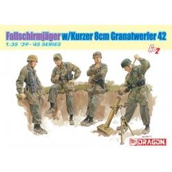 WW2 Fallschirmjager w/Kurzer 8cm Granatwerfer 42 (D6373)