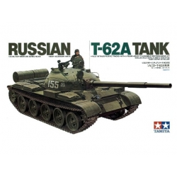1/35 Советский танк Т-62А с 1 фигурой бойца WWII