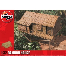 Bamboo house 1:32