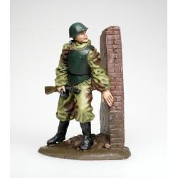 Боец Штурмовой инженерно-саперной бригады Красной Армии